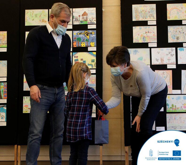 Klímatudatossági rajzversenyen és online vetélkedőn résztvevő gyermekeket díjaztak